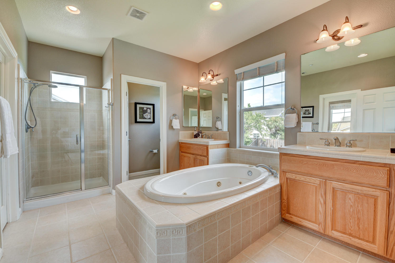 2896 Siena Rd Livermore CA-large-018-9-Master Bath-1499×1000-72dpi