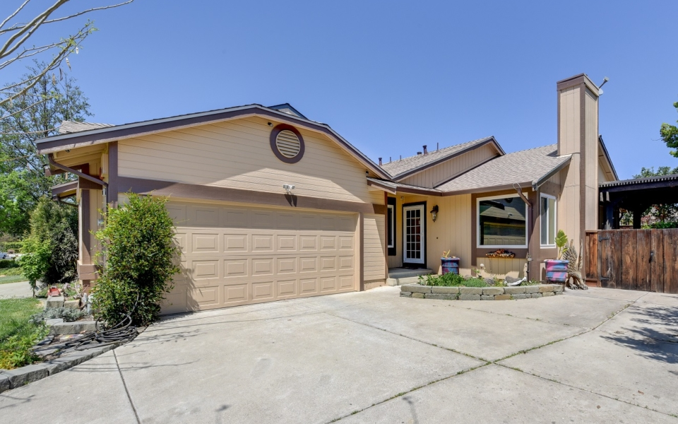 322_Mulqueeny_St._Livermore-25 small