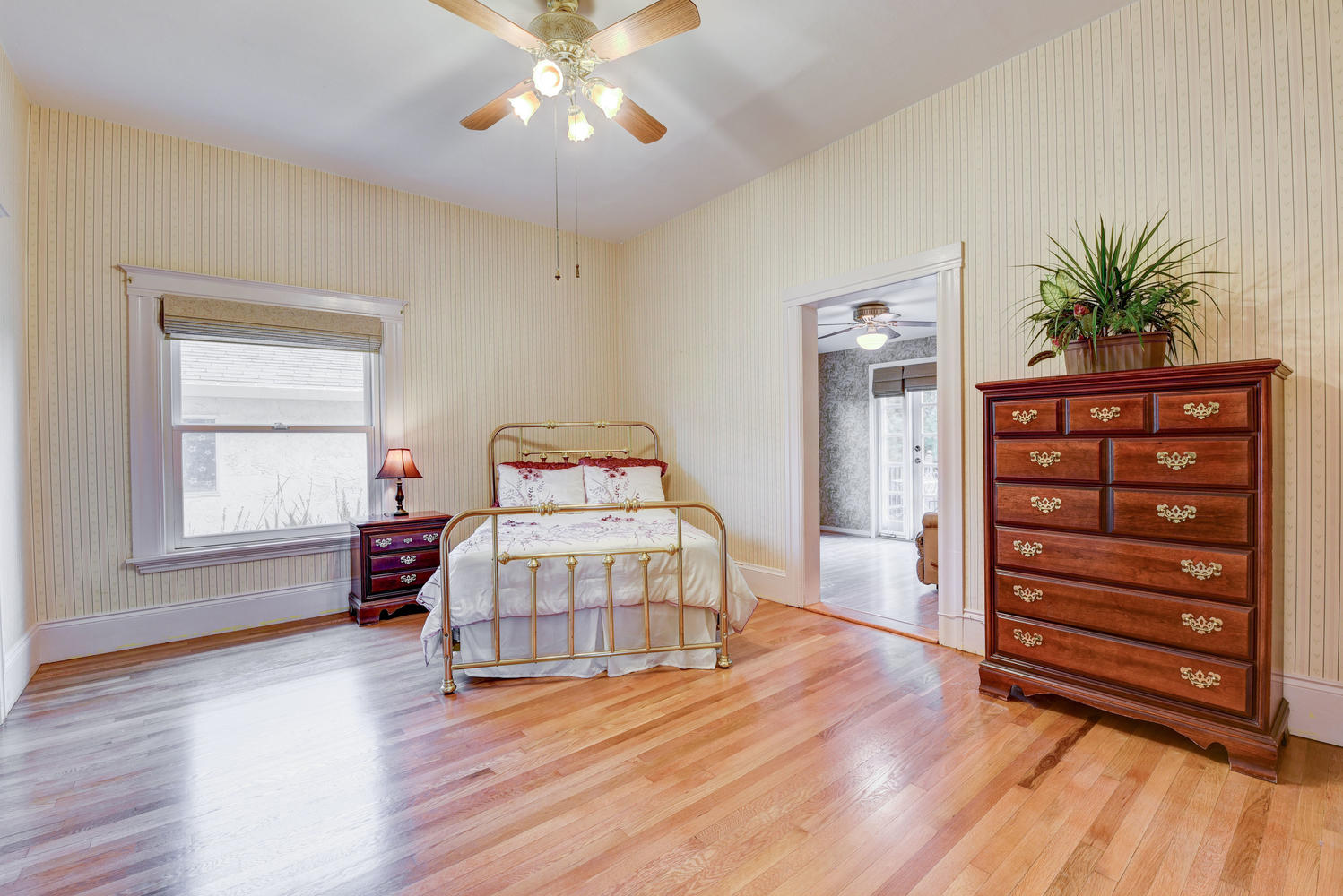 713 South I St-small-015-6-Master Bedroom-666×445-72dpi