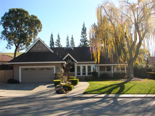 Olde Towne Pleasanton Luxury Home for sale 02 (Small)